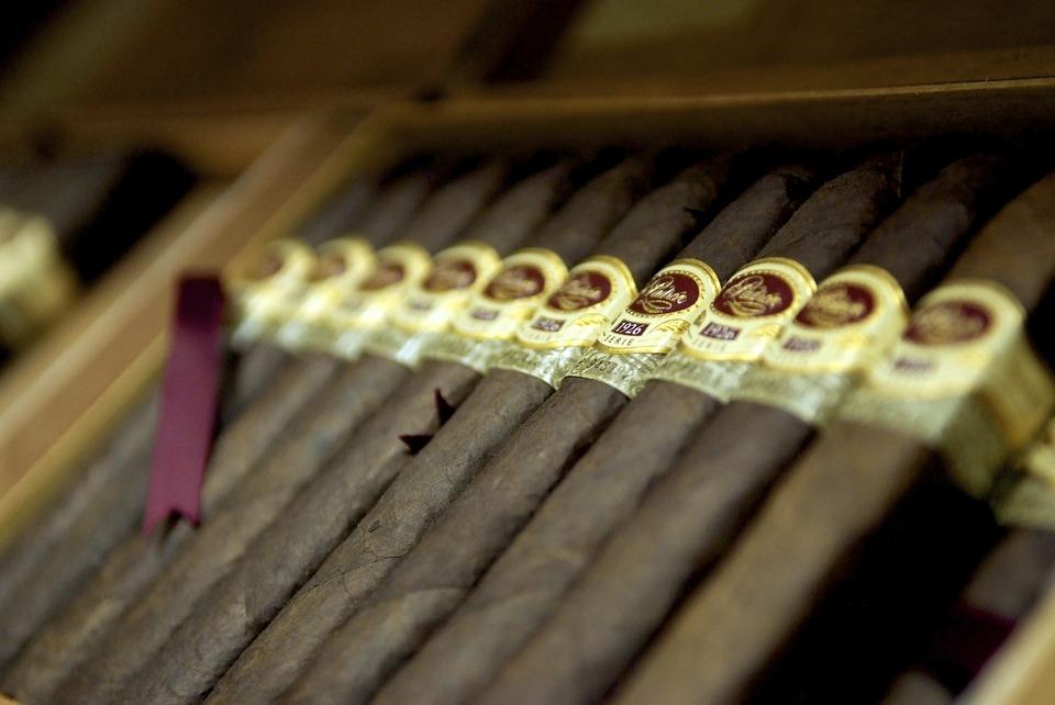 Geen smerige sigarengeur meer! Het verlangen is er niet meer, door hypnose bij Lucille, een behoorlijk overtuigende professional!